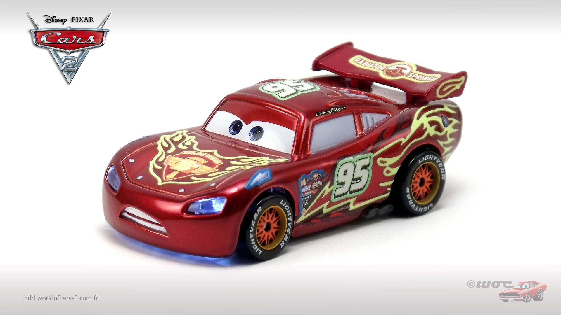 World Of Cars Presentation Du Personnage Flash Mcqueen